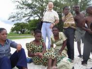 Среди африканцев Дар-эс-Салаама (фото Е. Деминцева)