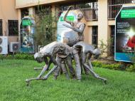 Буркина-Фасо Современая городская скульптура