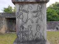 Изображения рабов на мемориале (фото В.Н. Брындиной)