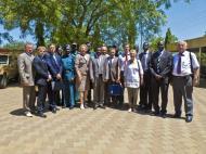 Джуба. Редкий кадр. Групповая фотография российской делегации и сотрудников Министерства внутренних дел Ю.Судана