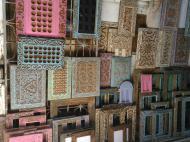 Традиционные деревянные издения в сувенирной лавке, Стоун Таун, Занзибар (фото А.А. Банщиковой)