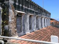 На балконе дворца султана, вид на фасад, Стоун Таун, Занзибар (фото А.А. Банщиковой)