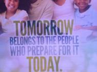 """Обложка «программки» одной из воскресных служб в молельне имени Ливингстона. «""""Завтра принадлежит тем людям, которые готовы к нему сегодня"""" (африканская пословица)»; «""""Это день, который создал Господь; мы возрадуемся и будем счастливы в нем"""" (псалм 118:24)» (фото В.В. Усачевой)"""