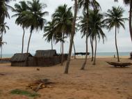 Рыбацкая деревня неподалеку от г. Уида (фото Е.Б. Деминцевой)